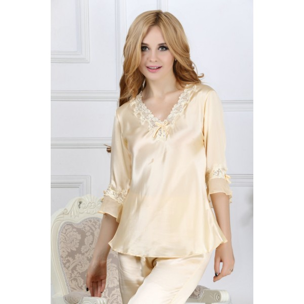 Hot V-neck Champagne Silk Pajamas for Women